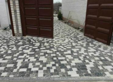 ukladka-trotuarnoj-plitki-stariy-gorod
